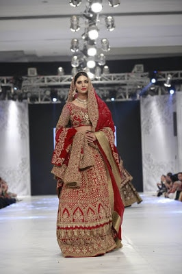 Hsy-kingdom-bridal-wear-dresses-collection-at-plbw-2016-16