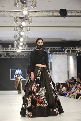 Hsy-kingdom-bridal-wear-dresses-collection-at-plbw-2016-6