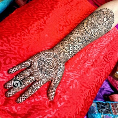 special-chand-raat-henna-designs-for-eid-2016-17-for-hands-4