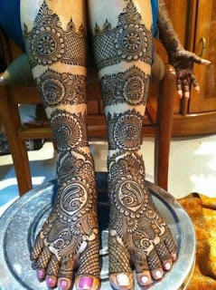 latest-special-bridal-mehndi-designs-collection-2016-17-full-hands-and-feet-5
