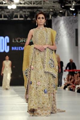 saira-shakira-designer-bridal-dresses-zohra-collection-at-pblw-2016-7