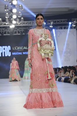ali-xeeshan-bridal-wear-collection-at-pfdc-l-oreal-paris-bridal-week-2016-4