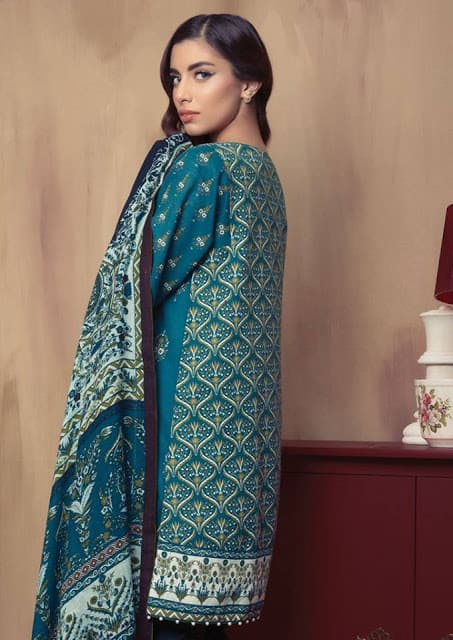 alkaram-winter-dresses-pashmina-woolen-shawl-collection-2016-17-5