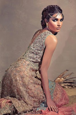 umsha-by-uzma-babar-floress-goddess-bridal-dresses-collection-2016-11
