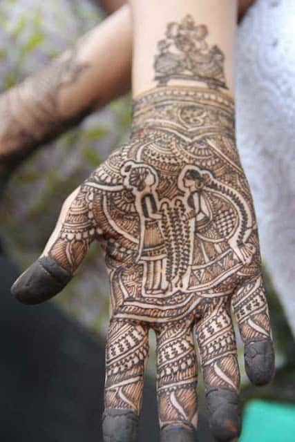 best-and-simple-Indian-bridal-mehndi-designs-for-hands-for-beginner-26