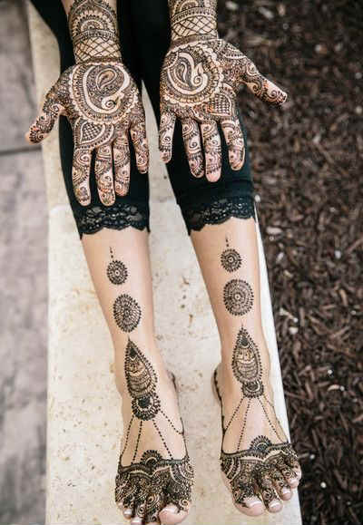 best-and-simple-Indian-bridal-mehndi-designs-for-hands-for-beginner-27