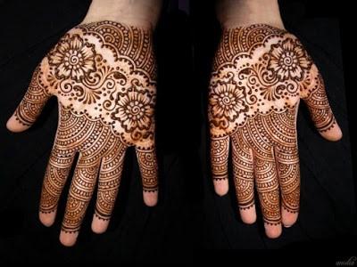 christmas-best-mehndi-designs-on-hands-for-girls-1