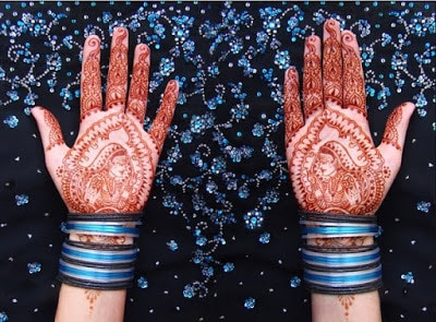christmas-best-mehndi-designs-on-hands-for-girls-3