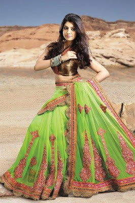 latest-lehenga-saree-indian-blouse-designs-2016-17-for-women-7