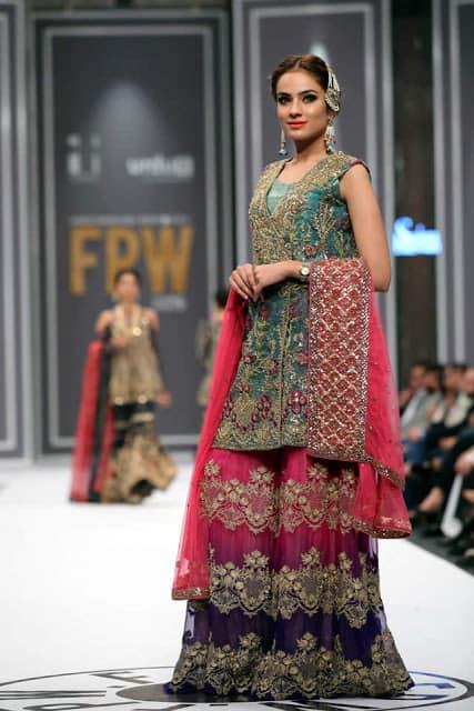 saira-rizwan-bridal-wear-dresses-designs-for-wedding-at-fpw-2016-12