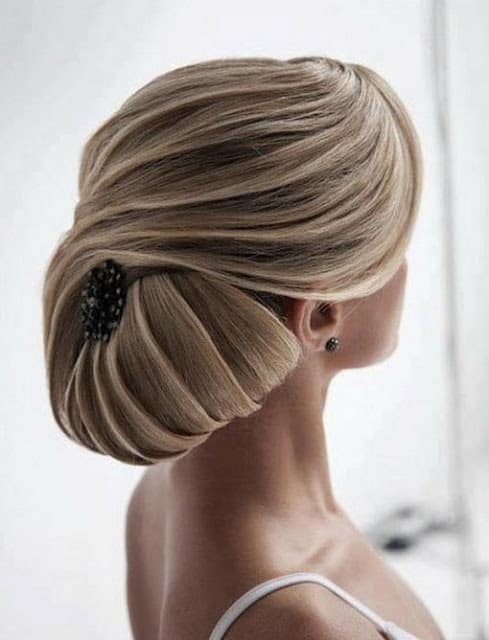 stylish-bridal-hairstyle-for-long-hair-for-women-2016-17