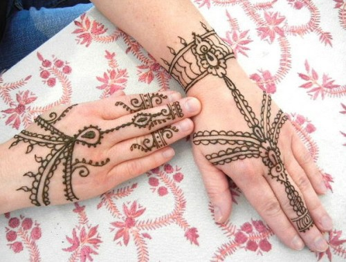 very-easy-and-simple-mehndi-designs-for-beginners-for-hand-10