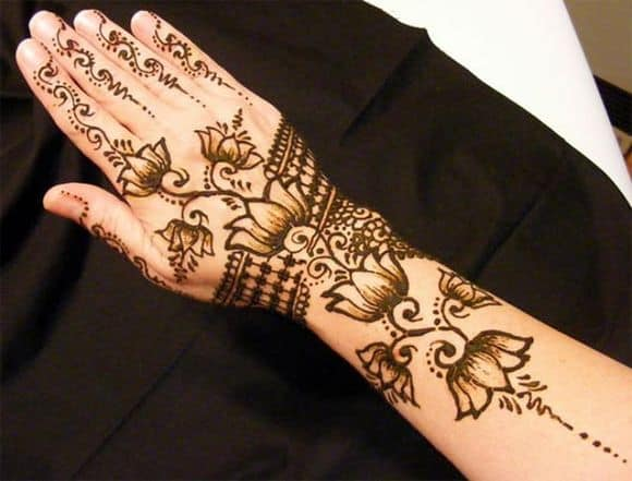 very-easy-and-simple-mehndi-designs-for-beginners-for-hand-12