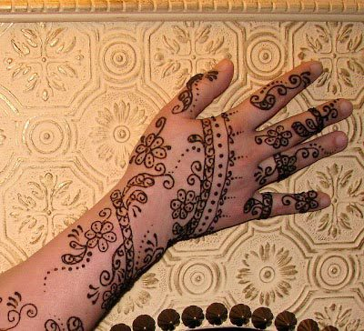 very-easy-and-simple-mehndi-designs-for-beginners-for-hand-19