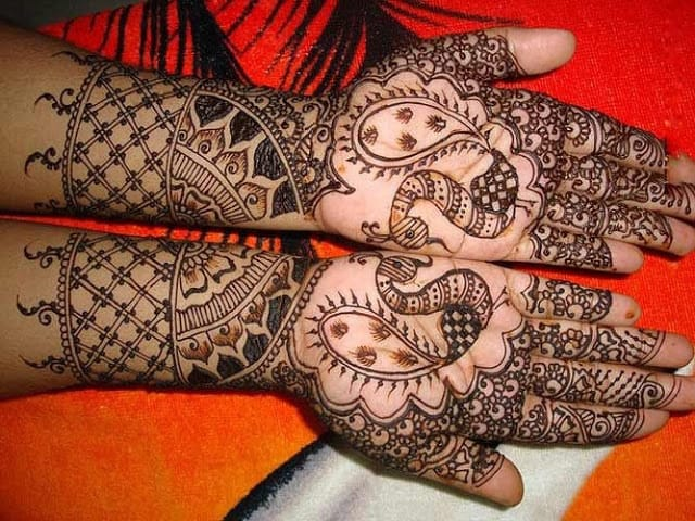 very-easy-and-simple-mehndi-designs-for-beginners-for-hand-9