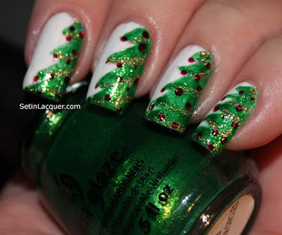 classy-and-stylish-christmas-nail-art-designs-for-girls-1
