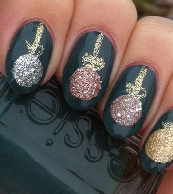 classy-and-stylish-christmas-nail-art-designs-for-girls-13