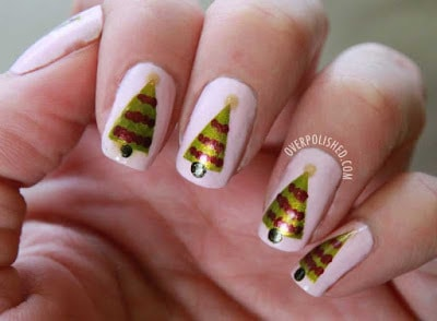 classy-and-stylish-christmas-nail-art-designs-for-girls-2