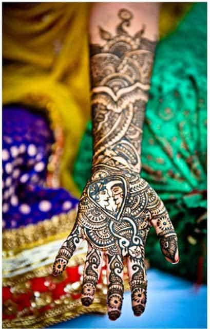 best-and-beautiful-bridal-mehndi-designs-for-full-hands-and-legs-10