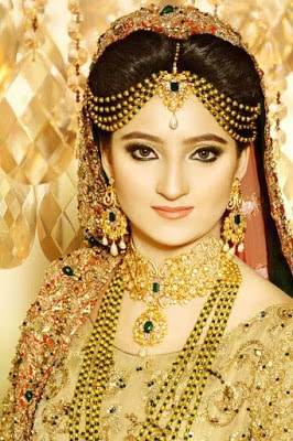 ather-shahzad-signature-bridal-makeup-and-perfect-hair-styles-8