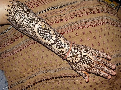bridal-mehndi-designs-for-full-hands-and-legs