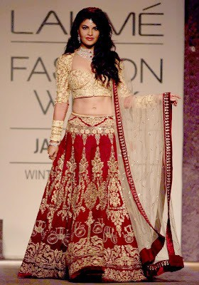 Indian-wedding-lehenga-blouse-designs-2017-for-bridal-11