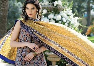 Alkaram-summer-printed-lawn-elegance-2017-collection-1
