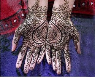 Easy-heart-shaped-mehndi-designs-images-for-hands-5