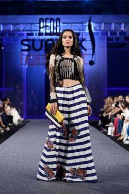 Hsy-paranoia-collection-2017-at-pfdc-sunsilk-fashion-week-14