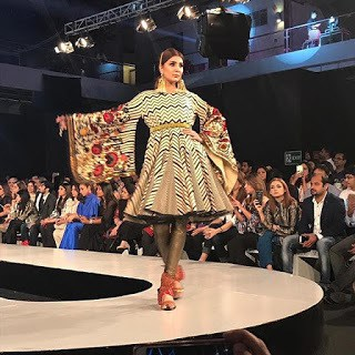 Khadi-khas-collection-at-pfdc-sunsilk-fashion-week-2017-10