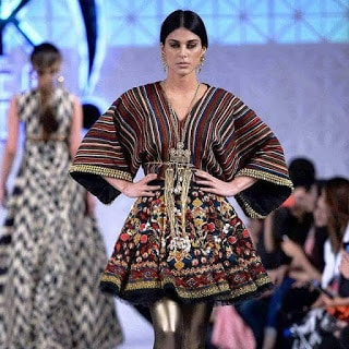 Khadi-khas-collection-at-pfdc-sunsilk-fashion-week-2017-11