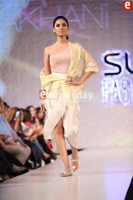 Misha-lakhani-caravan-collection-at-pfdc-sunsilk-fashion-week-2017-4