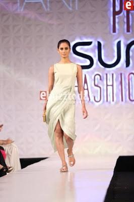 Misha-lakhani-caravan-collection-at-pfdc-sunsilk-fashion-week-2017-8