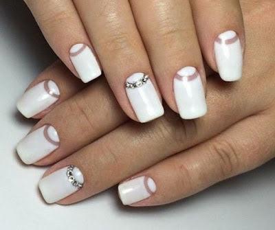 Nail-wedding-effect-half-moon-decoration-in-crystals