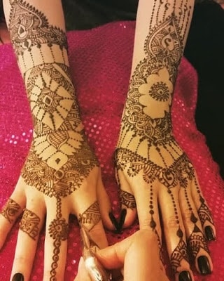 New-and-simple-traditional-eid-mehndi-design-for-hands-10