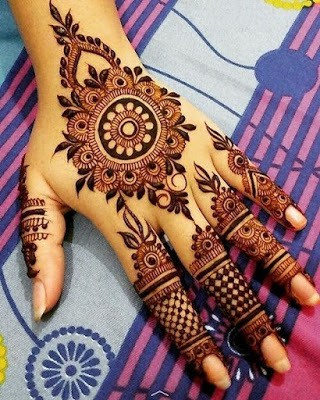 New-and-simple-traditional-eid-mehndi-design-for-hands-11