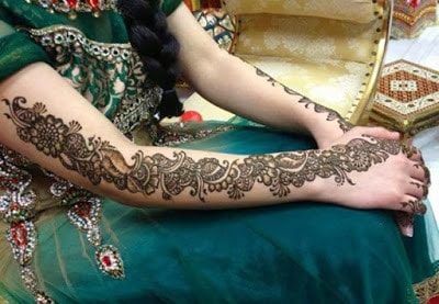 New-and-simple-traditional-eid-mehndi-design-for-hands-15