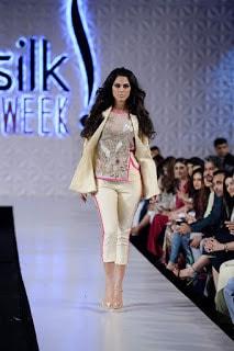 Saira-shakira-jie-collection-2017-at-sunsilk-fashion-week-11