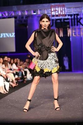 Sana-safinaz-collection-2017-at-sunsilk-fashion-week-14