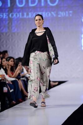 Sania-maskatiya-cruise-collection-pfdc-sunsilk-fashion-week-2017-4