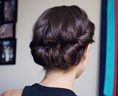 Simple-and-stylish-hairstyles-for-bridesmaids-for-long-hair-12
