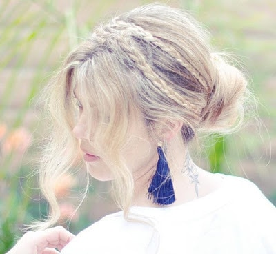 Simple-and-stylish-hairstyles-for-bridesmaids-for-long-hair-8