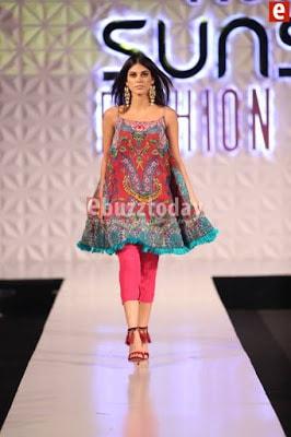 So-kamal-collection-2017-at-pfdc-sunsilk-fashion-week-3