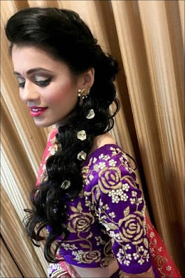 Stylish-indian-bridal-hairstyles-that-looks-perfect-for-wedding-14