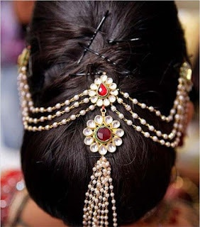 Stylish-indian-bridal-hairstyles-that-perfect-for-wedding-12
