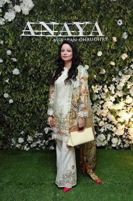 Anaya-by-kiran-chaudhry-eid-collection-2017-luxury-women-dresses-4