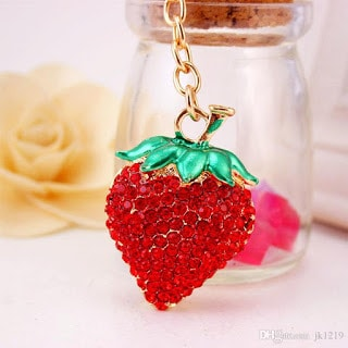 Beautiful-Red-Strawberry-Key-Chain-Pendant-for-Women