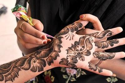 New-style-arabic-eid-mehndi-designs-2017-for-upcoming-eid-2