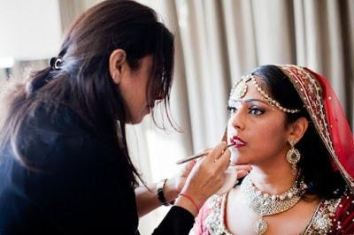Secrets-to-choose-a-perfect-bridal-makeup-artist-for-wedding-3