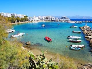 Smoothie-bikini-guide-greece-visit-island-cyclades-paros-naoussa-8